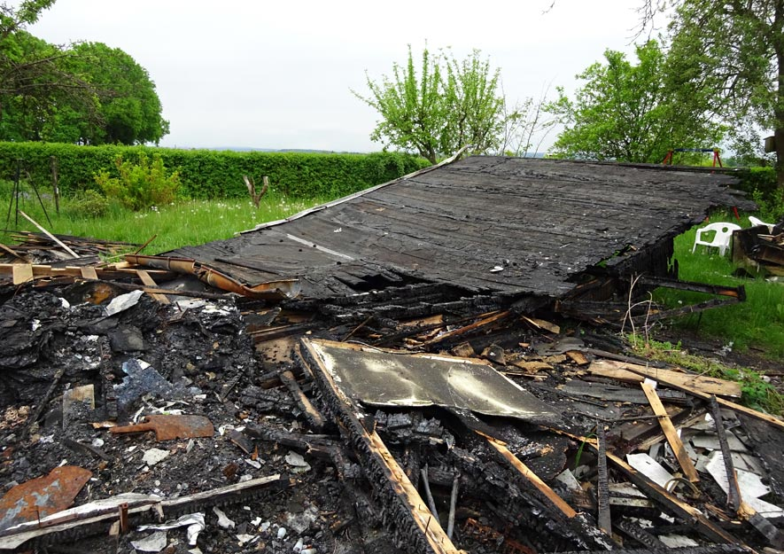Gartenlaube Propangas Flüssiggas Feuer Totalschaden