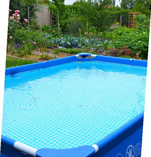 Badebecken-Pool im Kleingarten