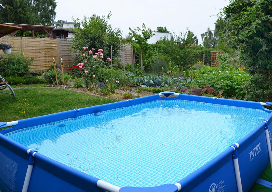 Badebecken - Pool im Kleingarten