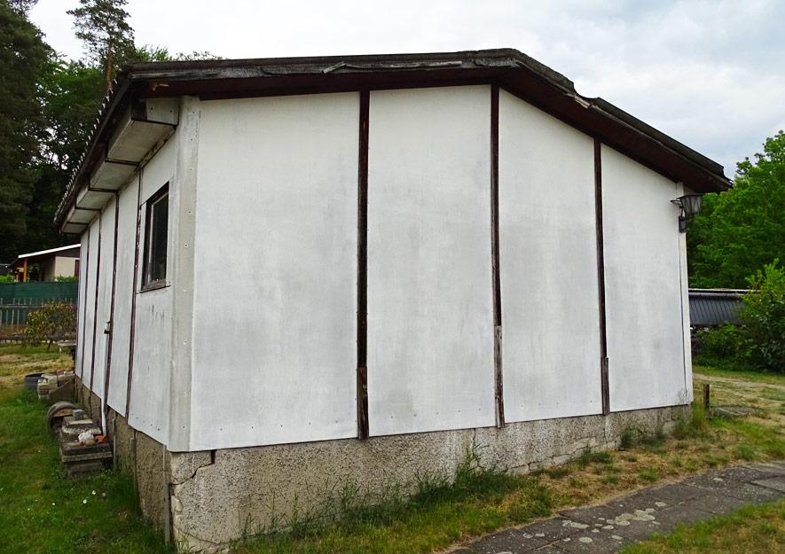 Klassische Asbestlaube aus DDR-Zeiten